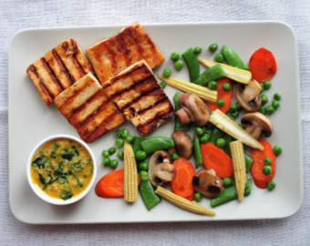 Paneer steak with Fenugreek leaves Curry Sauce