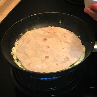 Omelet Roti Roll