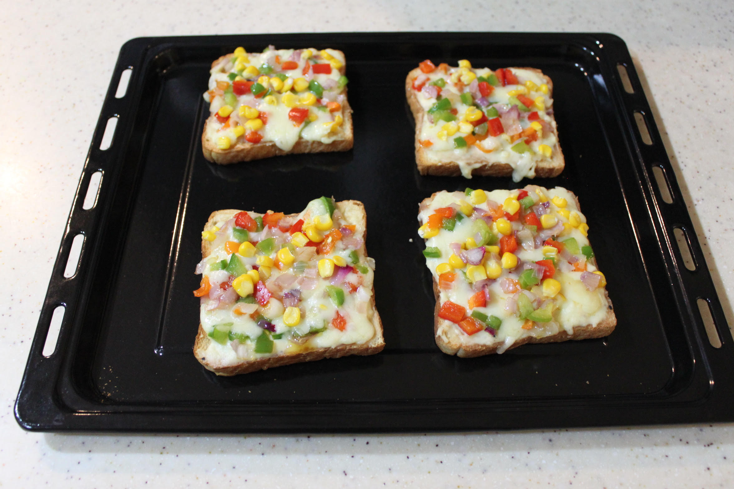Corn and Capsicum Toast